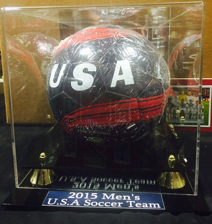 34a96405e96 2015 USA MEN S SOCCER TEAM SIGNED BALL in DELUXE CASE -  250