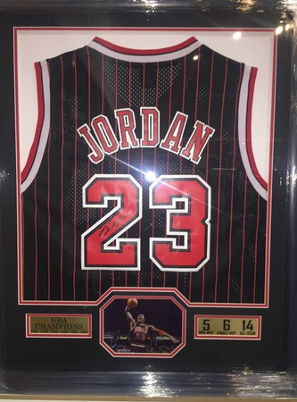 detailed look 7c62e d8429 Check out our signed sports, entertainment and music ...